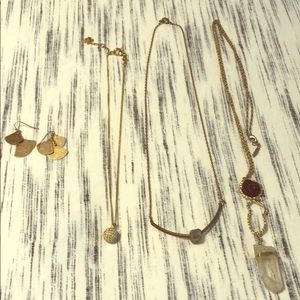 Jewelry - Lot: gold costume jewelry